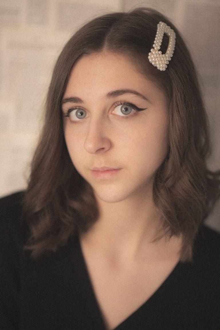 Portrait Retro de Julie Fauveau, @sunsetbrook